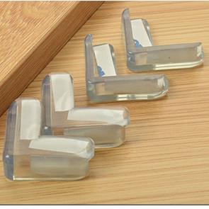 Weikang No.7910 Ochrana rohov a ostrých hrán 4 x 4 x 1,5 cm, transparentná, 4 ks